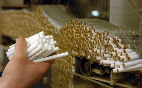 مالیات و عوارض محصولات دخانی